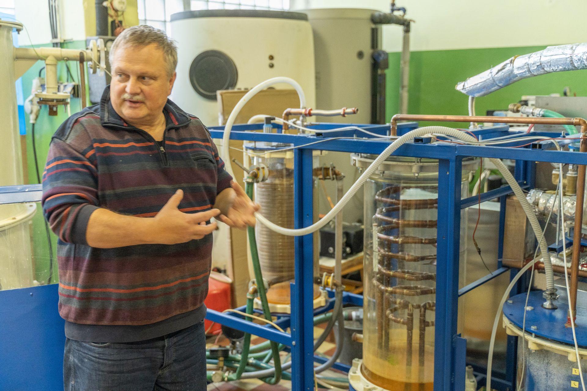 Ejektorový chladiaci systém, ktorý bude vyrábať chlad z tepla.